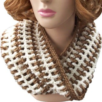 easy-lace-and-puff-cowl-2