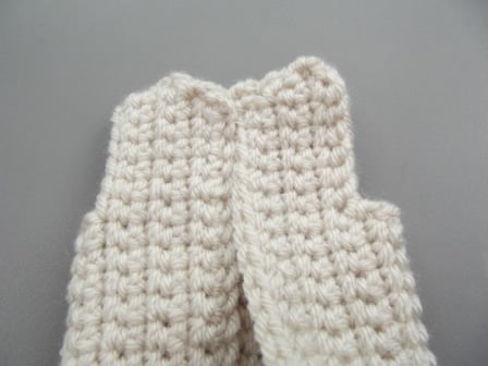 hooded-jacket-for-ken-and-barbie-shoulder-seams-1