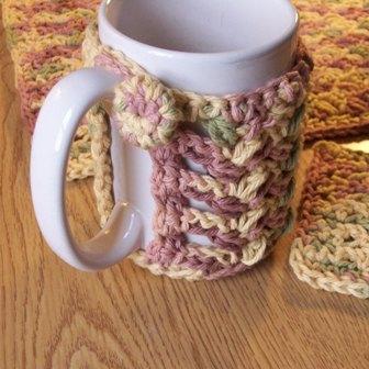 puff-stitch-mug-cozy-2