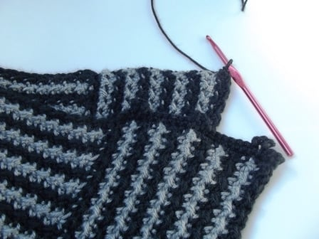 Crocheting the Edging for the Cowl