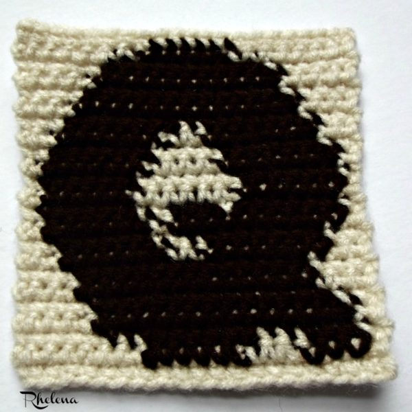 Q - Uppercase Tapestry Block ~ FREE Crochet Pattern