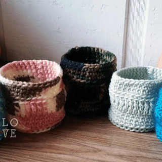 Crocheted Duality Treat Cups