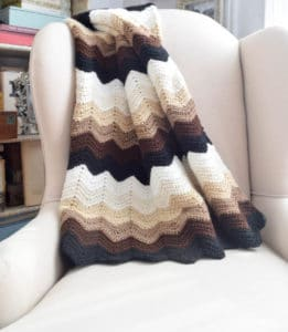 Gentle Gradient Ripples Blanket