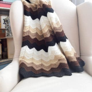Gentle Gradient Ripples Blanket