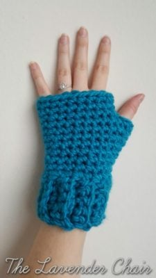 Simple and Chunky Fingerless Gloves by The Lavender Chair