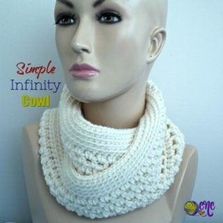 Simple Infinity Cowl ~ FREE Crochet Pattern
