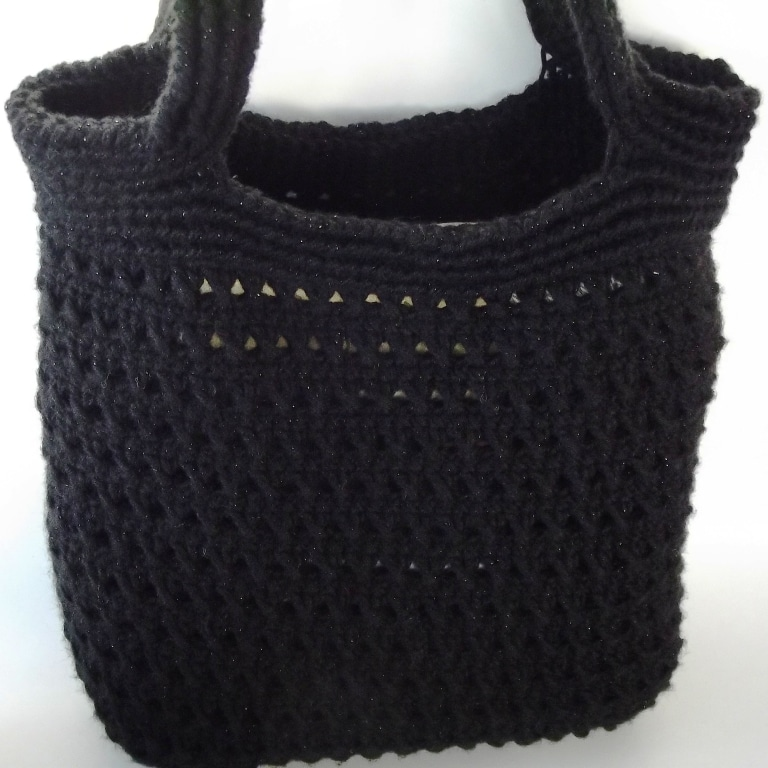 Ribbed Crochet Handbag Pattern - Shown in Black.