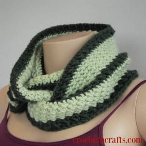 Easy Crochet Cowl Pattern Wrapped Around for a Cozy Neckwarmer