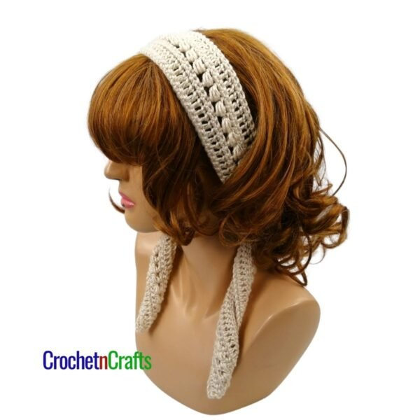 A simple slanted cluster headband pattern tied at the back.